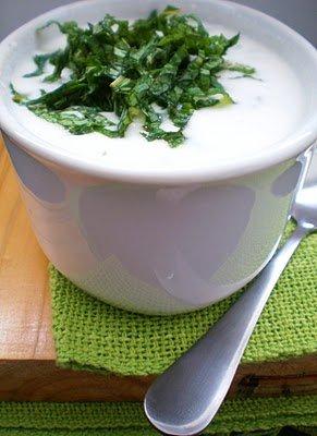 Molho de iogurte com tahine