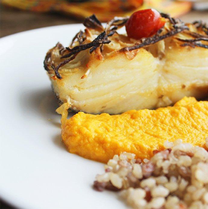 Bacalhau confitado com cebolas e purê de cenoura_F&F