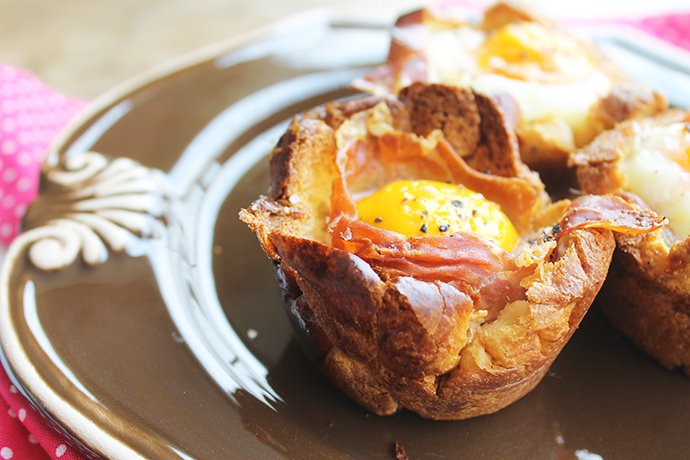 Ninhos de Brioche com jamón, queijo cremoso e ovo3_F&F