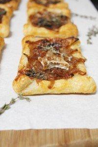 Tartelete de cebola caramelizada e queijo_F&F